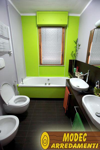 Ambienti personalizzati per il bagno modec arredamenti for Arredamenti per locali commerciali