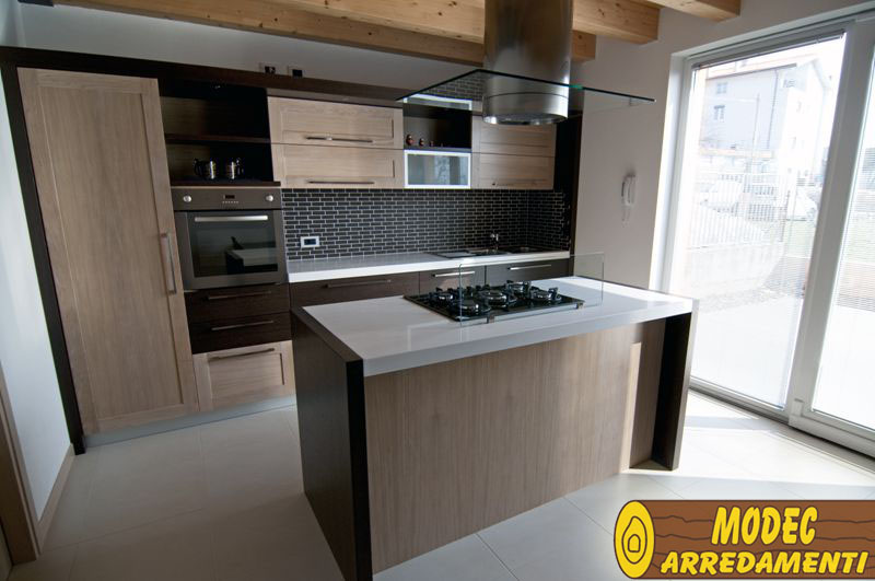 Casa moderna roma italy cucine con penisola centrale - Isola centrale per cucina ...